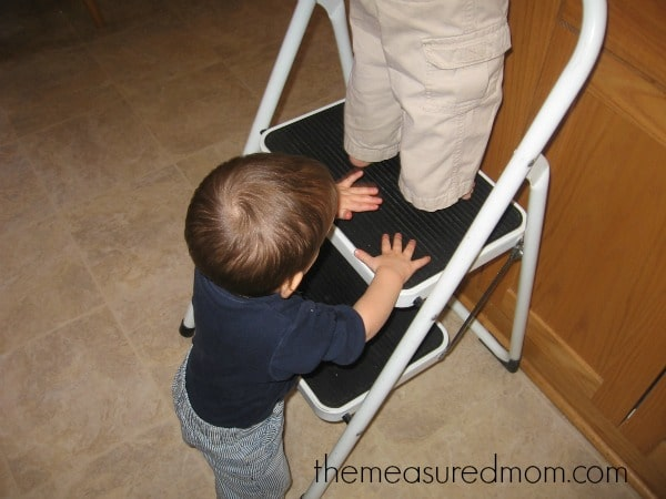 7 things kids learn in the kitchen (1) - the measured mom