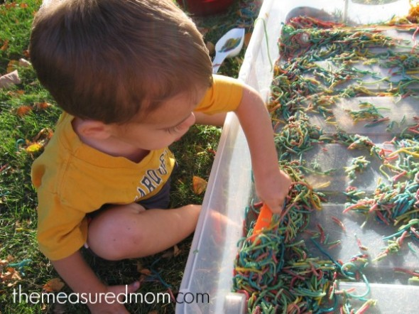N is for noodles sensory play (11) - the measured mom