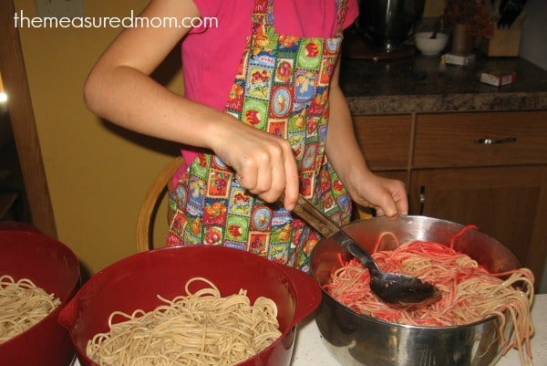 N is for noodles sensory play (6) - the measured mom