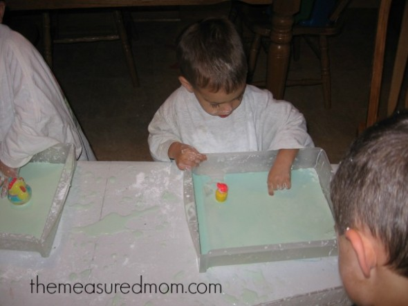 easy sensory activity (8) - the measured mom