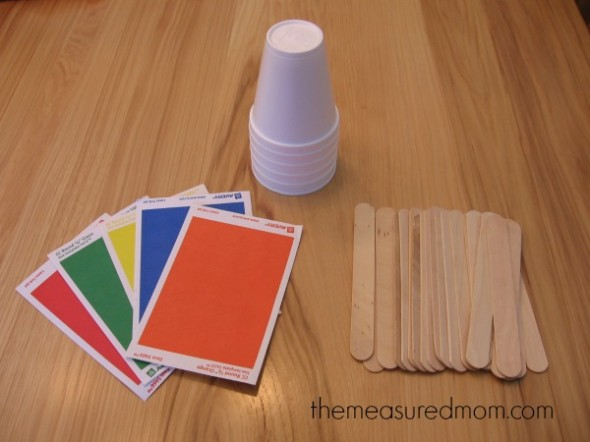 Check out this simple color sorting activity for toddlers! Match the craft sticks to the cups.
