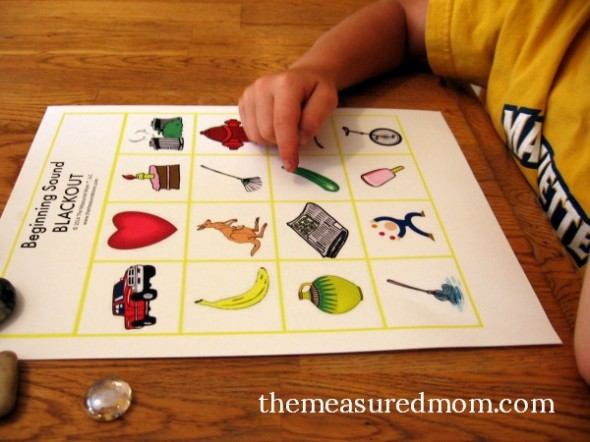 Looking for a free printable for teaching beginning sounds? My preschooler often asks to play this initial sound activity!