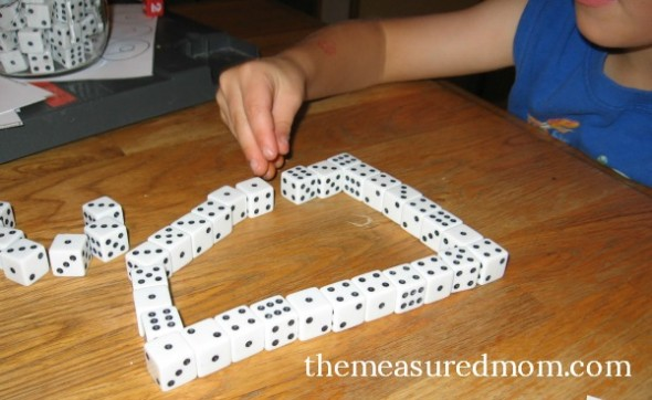 make letter D with dice