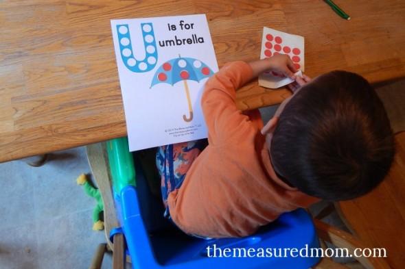 Get your free letter U printable - U is for umbrella.