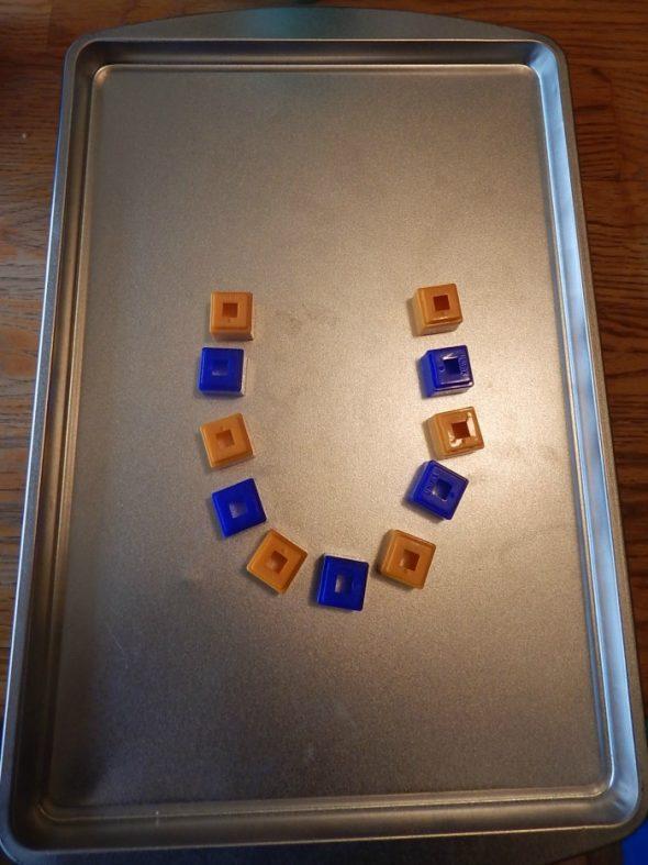 make letter U (2)
