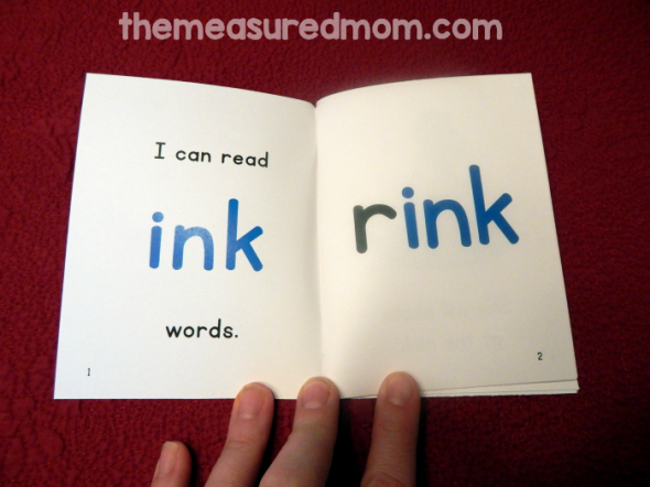 Looking for a fun way to practice reading ind, end, ent, est, itch, ink, ing, and old words? Get these free printable phonics books!