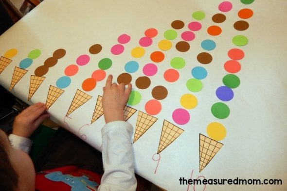 This round up of letter I activities will give you lots of fun learning ideas... with free printables!
