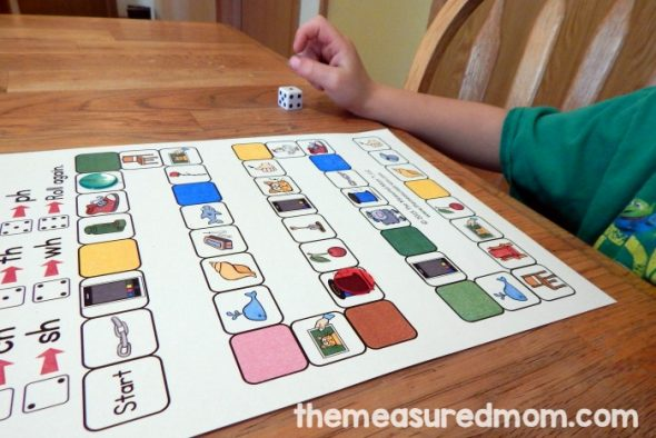 These five digraph games are great for teaching digraphs in kindergarten or first grade!
