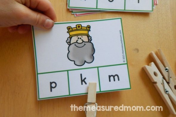 Check out this variety of fun letter O activities for preschoolers!