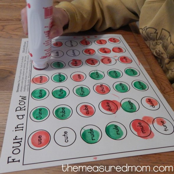 These free silent e games are great! Just print and take turns reading and dotting the words to see who gets four in a row first. NO PREP! :)