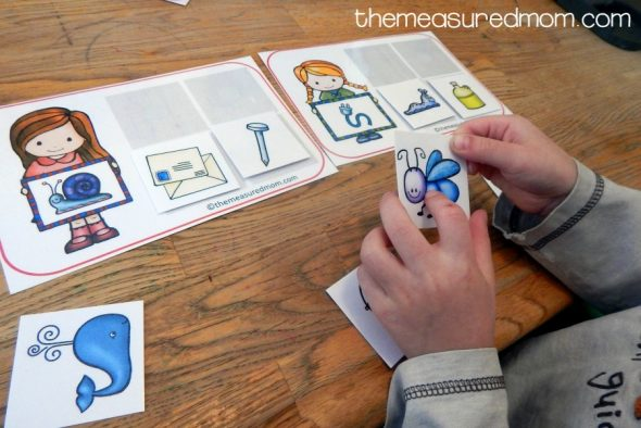 This rhyming word activity is one of my son's favorites! I love that it's a rhyming word sort.