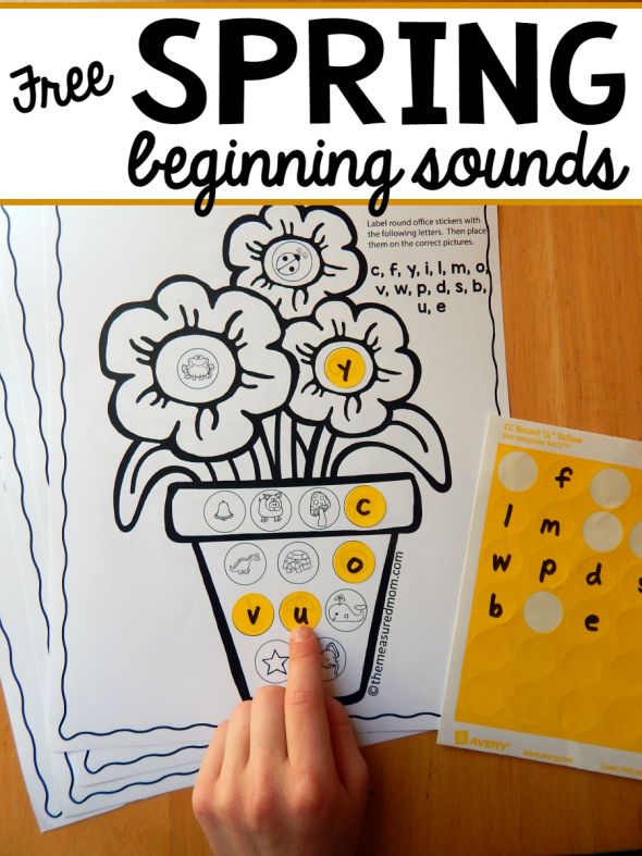 My kiddo loves stickers, so this alphabet printable for beginning sounds is right up his alley. It would work great for a spring learning center.