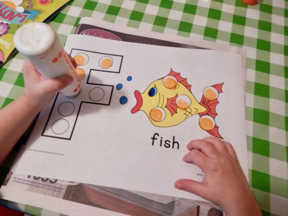 Can toddlers really learn the alphabet? Yes, when you make it simple and fun! Check out our letter F activities for 2 year olds.