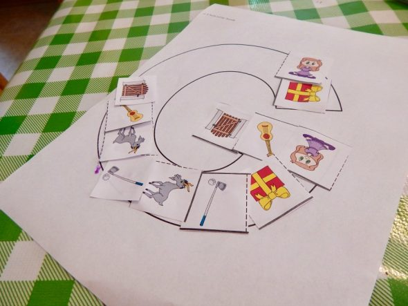 letter-g-activity-2These letter G activities for two year olds are great for toddlers learning the alphabet!