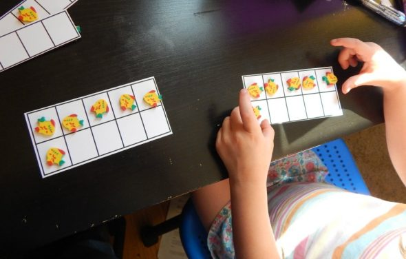 Try these simple counting activities using five and ten frames! Grab the free printables, too!