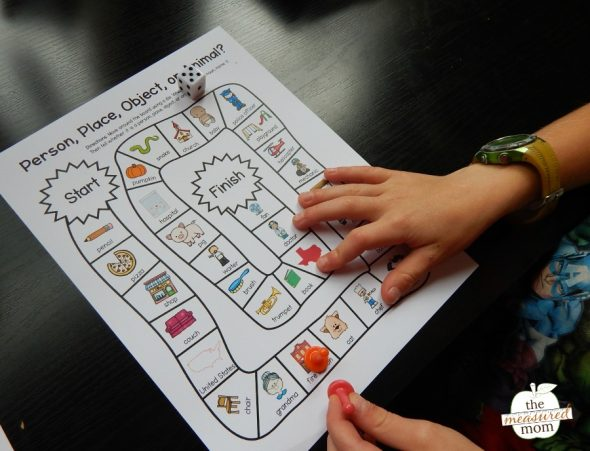 Try this simple free noun game with your K-2 learners!